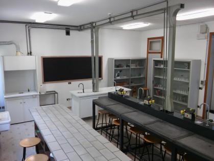 Laboratorio Scienze Bruni 2